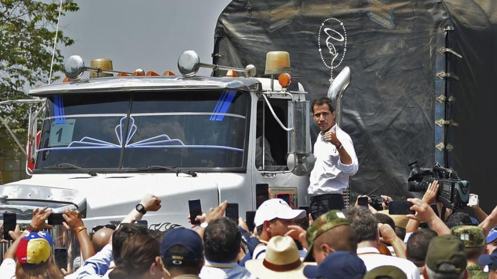 بولتون از بازگشت گوایدو به ونزوئلا خبر داد