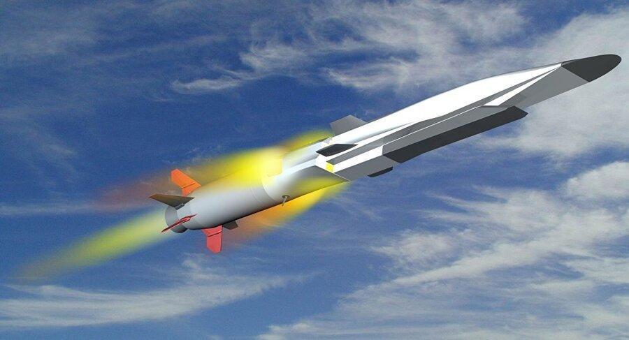 اولین آزمایش موشک هایپرسونیک به روی زیردریایی روسی انجام می گردد