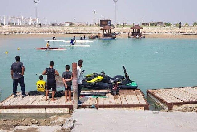 تیم های برتر مسابقات قایقرانی بوشهر