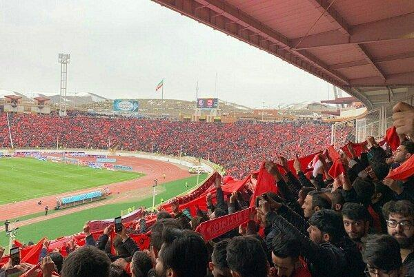 ورزشگاه یادگار امام تبریز 90 دقیقه مانده به شروع بازی پر شد