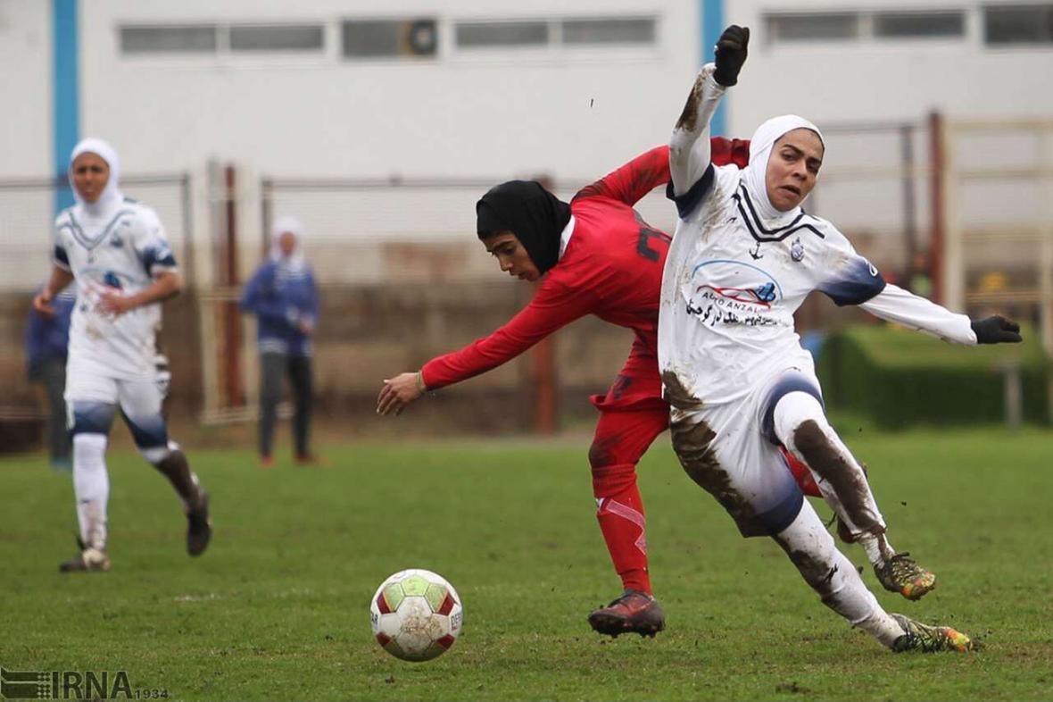 خبرنگاران سرمربی ملوان: فدراسیون برنامه ای برای فوتبال زنان ندارد