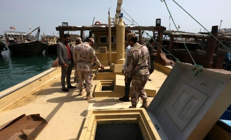 خبرنگاران 70 هزار لیتر سوخت قاچاق در آب های بوشهر کشف شد