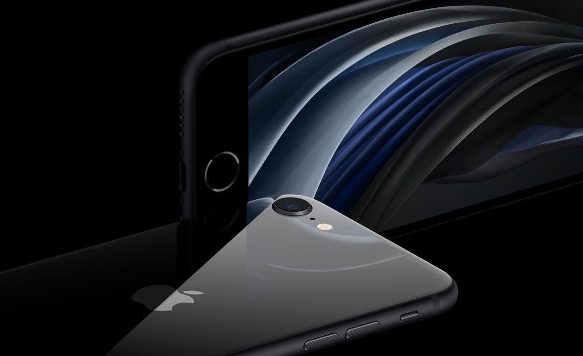 آیفون SE در برابر XR؛ ارزان ترین گوشی های اپل چه تفاوت هایی با هم دارند؟