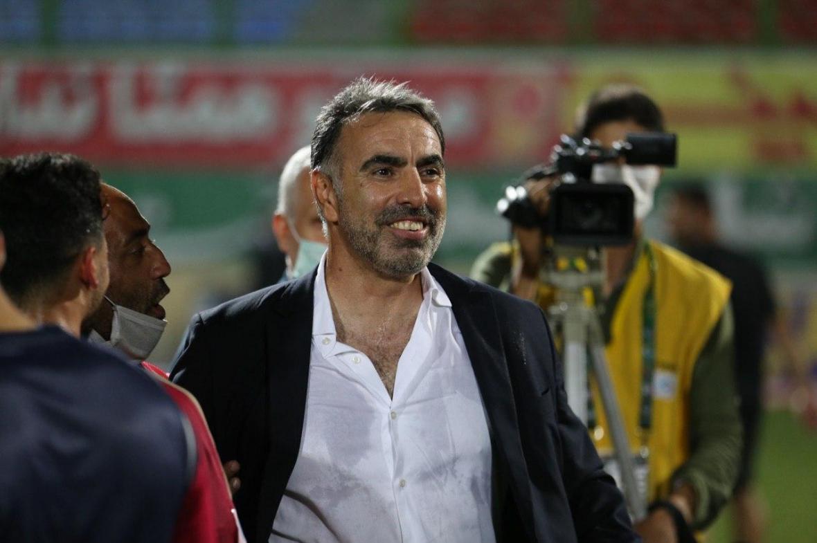 خیز محمود فکری برای نشستن روی نیمکت استقلال