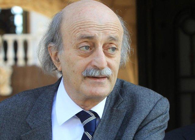 ولید جنبلاط خواستار تغییر نخست وزیر لبنان شد