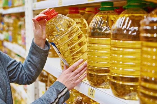 کشف 832 بطری روغن مایع و 140 حلب روغن جامد در ورامین