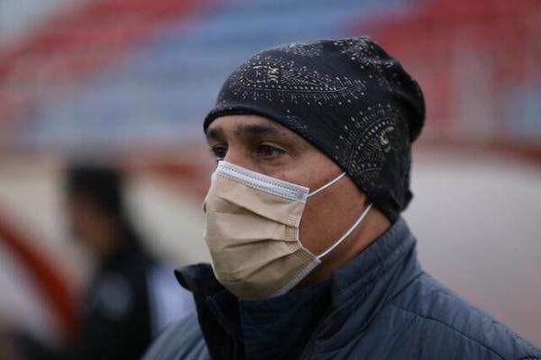 منصوریان: خطیبی به من بی احترامی نکرد، ناظر بازی با تراکتور به من فحاشی کرد!