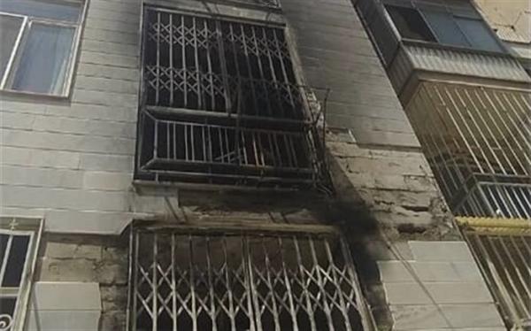 10 نفر از حریق ساختمان مسکونی نجات یافتند